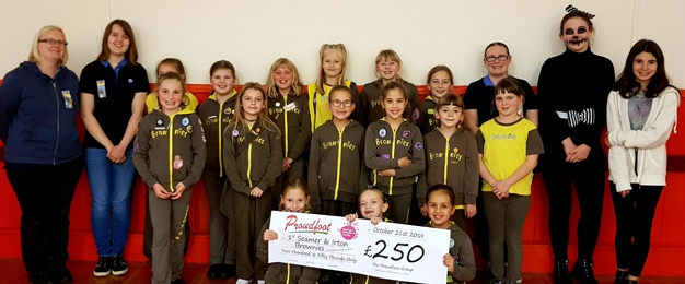 Proudfoot Donate £250 To 1st Seamer & Irton Brownies